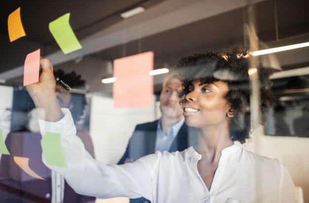 Como escolher a sala ideal para reuniões ou eventos